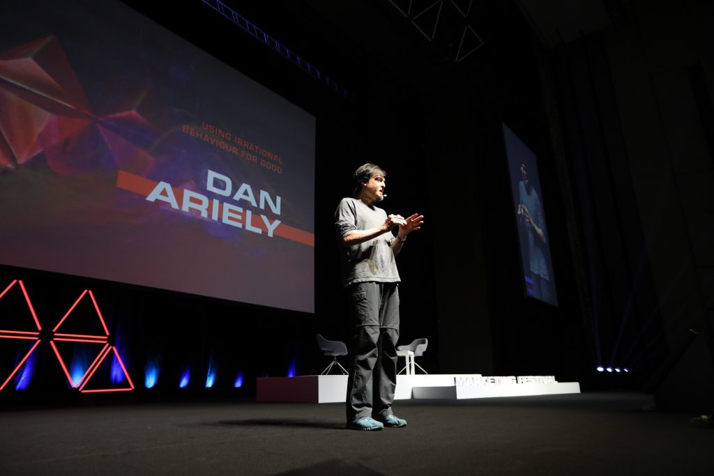 Dan Ariely on the stage